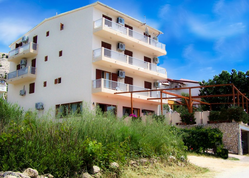 pension laguna metajna